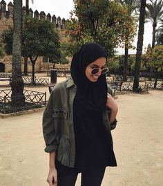 Image in hijab💖 collection by Zahraa A. Hijab Fashion Summer, Modern Hijab Fashion, Street Hijab Fashion, Hijab Fashion Inspiration, Islamic Fashion, Muslim Fashion, Modest Fashion, Modest Outfits, Modest Wear