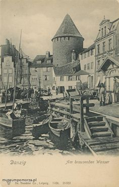 Danzig, Gdansk Poland, Castle House, Architecture Old, Old City, Beautiful Buildings, Historical Photos, Wwii, Monochrome