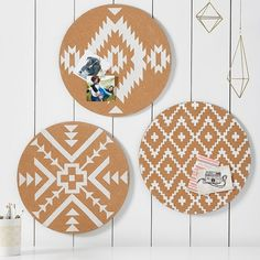 PB Teen Round Boho Colorblock Corkboard, Set of 3 ($59) ❤ liked on Polyvore featuring home, home decor, office accessories, white pin board, white push pins, white cork board, white bulletin board and pbteen