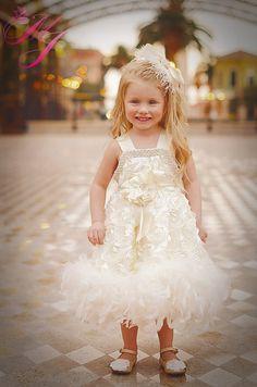 Sweet Angel Girls Petal Rosette Feather por MelissaJaneBoutique