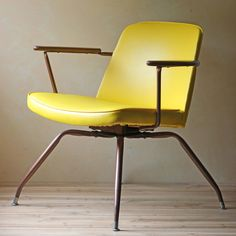 Mid-Century Spider Chair Yellow