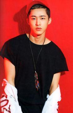 iKON B.I Welcome Back 'Half Album' Photobook © BRIN