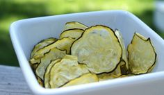 salt and vinegar zucchini chips - Paleo chips. Would these work with salsa? Delicious Vegan Recipes, Raw Food Recipes, Veggie Recipes, Cooking Recipes, Yummy Food, Healthy Recipes, Batch Cooking, Tasty, Entree Recipes