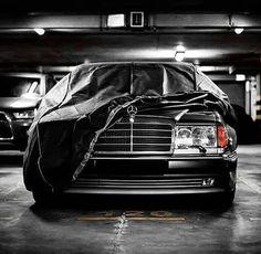 Mercedes 124, Mercedes Benz 190e, Classic Mercedes, Cars Vintage, Retro Cars, My Dream Car, Dream Cars, Blue Slim Fit Suit, Mercedez Benz