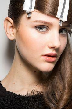 Bora Aksu at London Fall 2015. http://votetrends.com/polls/369/share #makeup #beauty #runway #backstage
