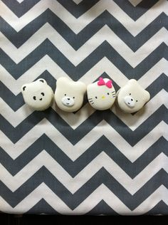 Would love to have these specialized hello kitty/bear/cute/adorable/animal macarons for my next party! TOO CUTE. (Sweet Boutique Bakery in Houston)