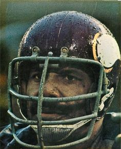 Jim Marshall Defensive End Nfl Football Players, Best Football Team, Football Photos, Football Memes, Sport Football, Sports Photos, Equipo Minnesota Vikings, Minnesota Vikings Football, American Football League