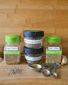 Homemade Herbal and Salt Free Seasonings - Labeled the easy way! A quick, easy and fun way to organize your healthy pantry herbs and spices. #Brother #LabelIt by @diyboards