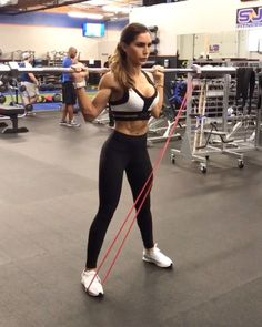 """21k Likes, 505 Comments - Alexia Clark (@alexia_clark) on Instagram: """"Band and Bars 1. 10-12 reps 2. 15 each side 3. 15-20 reps 4. 12-15 each side 3-5 rounds…"""""""