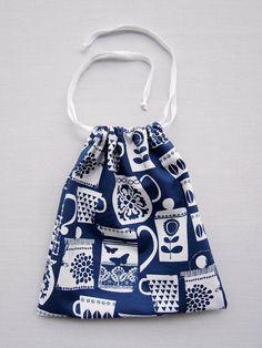 Easy Drawstring Bag Tutorial | Drawstring bag tutorials