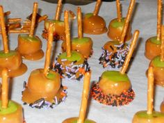 "Candy & Caramel Apple Bites: One of our favorite ""Tastes of Fall"" are caramel apples and candy apples. The only problem is, I'm not a kid anymore and I couldn't begin to devour an entire Caramel or Candy apple without feeling nauseous afterward. These delicious bites are perfect for parties, they're easy to handle and easy to  prepare."