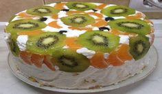 Ovocný nepečený dort s piškotovým korpusem a luxusním vanilkovým krémem!