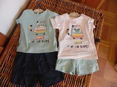 CDP133 Ensemble t-shirt/caleçon, 6 mois (bleu ou blanc) ou 9 mois (bleu) - 5€