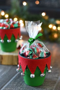 Elf Themed Gift for Neighbors or Friends xmas crafts Elf & Santa Candy Pot Gift Idea Teacher Christmas Gifts, Christmas Crafts For Gifts, Homemade Christmas Gifts, Christmas Projects, Christmas Decorations, Christmas Ornaments, Handmade Christmas, Christmas Lights, Santa Crafts
