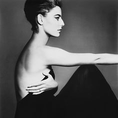 Antonella Agnelli, hair by Kenneth, New York, photo Richard Avedon, 1961 Richard Avedon Portraits, Richard Avedon Photography, Ad Photography, High Fashion Photography, Glamour Photography, Lifestyle Photography, Editorial Photography, Peter Beard, George Hurrell