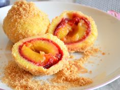 Plum dumplings made from potato dough with cinnamon and sugar crumbs - Potato dumplings with cinnamon and sugar crumbs – I have to bake - Cheese Appetizers, Healthy Appetizers, Appetizers For Party, Plum Dumplings, Potato Skins, Christmas Breakfast, Christmas Appetizers, Finger Foods, Food Inspiration
