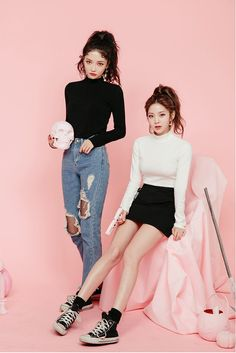 Look at this Classy korean fashion outfits Korean Fashion Trends, Korean Street Fashion, Asian Fashion, Korea Fashion, Foto Best Friend, Matching Outfits, Cute Outfits, Fashion Outfits, Womens Fashion