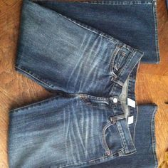 Lucky Brand Jeans**Reduced** Sz 26x29 Dark Washed Jeans. Small Flare. No back patch. Lucky Brand Jeans