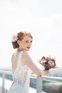 Hochzeitsinspiration mit Sukkulenten Girls Dresses, Flower Girl Dresses, Grey Fashion, Lifestyle, Wedding Dresses, Clothes, Dress Wedding, Wedding Bride, Flower Girl Gown