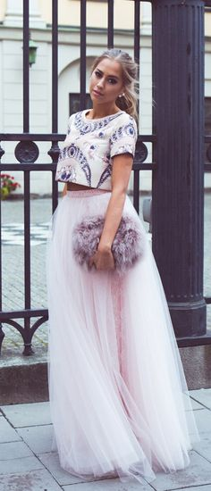 We love crop tops and we love tulle and tutu like skirts. Such an easy way to dress up without a lot of fuss. Fashion Mode, Look Fashion, New Fashion, Womens Fashion, Lolita Fashion, Runway Fashion, Fashion Trends, Look Girl, Costume