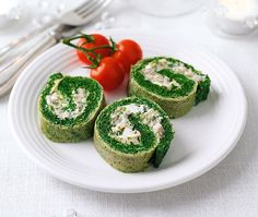 Spinach, mushroom and blue cheese roulade | ASDA Recipes