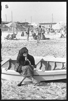 Sardegna DigitalLibrary - Immagini - Cagliari, spiaggia del Poetto 1955