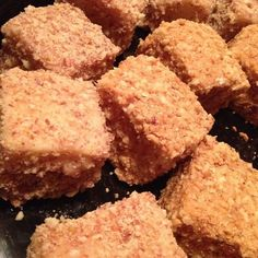 peanut squares or as I know them mocha cakes Yummy Drinks, Delicious Desserts, Dessert Recipes, Yummy Food, Moka, Peanut Recipes, Sweet Recipes, Peanuts, Pastries