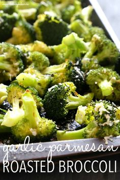 This Garlic Parmesan Roasted Broccoli is a quick and easy side dish that's healthy and delicious, and made with only 4 simple ingredients! It's a family favourite recipe that's the perfect holiday side dish, but it's delicious any time of the year! Veggie Side Dishes, Vegetable Sides, Side Dishes Easy, Side Dish Recipes, Vegetable Recipes, Broccoli Dishes, Top Recipes, Chef Recipes, Simple Broccoli Recipes