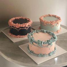casein mug cake Pretty Birthday Cakes, Pretty Cakes, Beautiful Cakes, Amazing Cakes, Mini Cakes, Cupcake Cakes, Cute Desserts, Dessert Recipes, Cute Baking