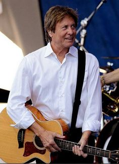 Robert Lamm ~ Chicago. Over 70 and still hot !