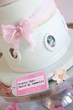 #memorycake #birthdaycake #weddingcake #sweetmemories #verjaarddagstaart #goodoldmemories #sweet #weddingideas #cake #mint #pink #vintage #sweettable #desserttafel #fototaart #pictureperfect #lief #bakedbyisabelle