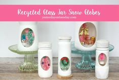 Start saving those spaghetti sauce, salsa and small spice jars, they make perfect snow globes for winter and Christmas. Quilted Christmas Ornaments, Christmas Snow Globes, Christmas Mason Jars, Christmas Gift Box, Christmas Crafts, Christmas Ideas, Christmas Decorations, Christmas 2015, Xmas