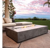 The Flo Fire Table brings a modern update to the classic fire pit. Its smokeless fire provides a warm and inviting outdoor centerpiece to gather around and relax in front of no matter the season. Outdoor Patio Designs, Modern Patio, Outdoor Spaces, Outdoor Decor, Outdoor Fire, Outdoor Living, Brown Jordan, Gas Fire Pit Table, Concrete Fire Pits