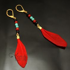 Boucles d'Oreilles Plumes Bijoux Ethniques Fantaisie MADAME MELON Rouge Jewelry Making Beads, Diy Jewelry, Beaded Jewelry, Jewelery, Handmade Jewelry, Jewelry Design, Fashion Jewelry, Feather Jewelry, Feather Earrings