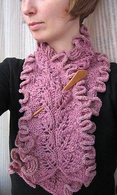 Ravelry: Frilly scarf pattern by Tove Backhammar