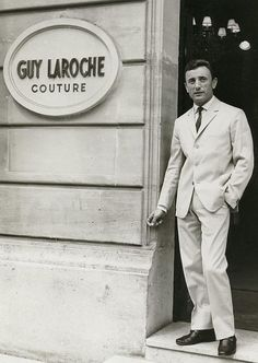 Guy Laroche 1921 - 1989 France Couturier. Founded his brand in 1956 he was one of the first to create separates.    ᘡղbᘠ