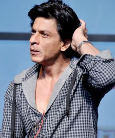 Indian parents don't see sports as profession, says Shah Rukh Khan!