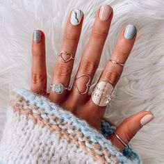 Semi-permanent varnish, false nails, patches: which manicure to choose? - My Nails Cute Nails, Pretty Nails, One Glitter Nails, Sparkles Glitter, Hair And Nails, My Nails, Pink Nails, Pin On, Nagel Gel