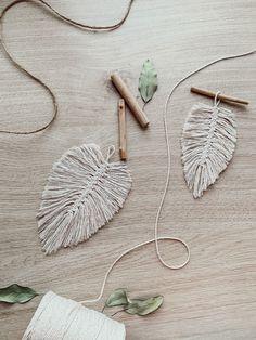 Ein ganz einfaches DIY für dein Makramee Blatt 🍂 Crochet Earrings, Princess, Jewelry, Simple Diy, Jewlery, Jewerly, Schmuck, Jewels, Jewelery