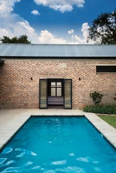 Image 11 of 19 from gallery of Link House / Strey Architects and Associates. Photograph by Dook Brick Architecture, Architecture Awards, Amazing Architecture, Contemporary Architecture, Swimming Pool House, Swimming Pools, Outside Living, House On A Hill, Garden Pool