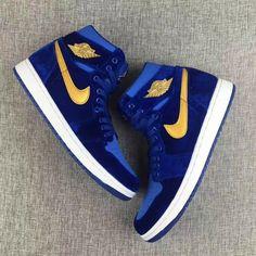 All Nike Shoes, Hype Shoes, Jordan Shoes Girls, Air Jordan Shoes, Best Sneakers, Sneakers Fashion, Sneakers Nike, Jordan Shoes Wallpaper, Zapatillas Nike Jordan