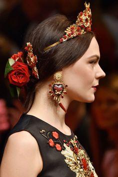 Dolce & Gabbana at Milan Fashion Week Spring 2015 - Details Runway Photos Fashion Accessories, Fashion Jewelry, Hair Accessories, Mode Baroque, Dolce Gabbana, Milan Fashion Weeks, Jewelry Trends, Girly, Hair Styles