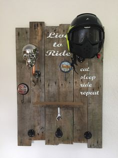 Skull rack helmet Source by rainerjunker Wooden Pallet Furniture, Diy Furniture, Hat Storage, Automotive Decor, Helmet Design, Motorcycle Garage, Wood Projects, Hanger, Skull