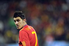 David Villa- F. See Lo I do love soccer! Get Well Soon Baby, David Villa, Do Love, 3 In One, Football Soccer, Fc Barcelona, My Man, Athletes, Amor