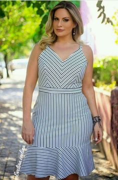 New Looks and Trends. 53 Chic Casual Style Outfits Every Girl Should Keep – Modest Fall fashion arrivals. New Looks and Trends. Vestidos Plus Size, Plus Size Dresses, Plus Size Outfits, Short Dresses, Wrap Dresses, Plus Size Girls, Plus Size Women, Plus Size Fashion For Women, Plus Fashion