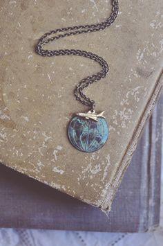 Globetrotter. ein Oldtimer Reise inspiriert Kugel Halskette