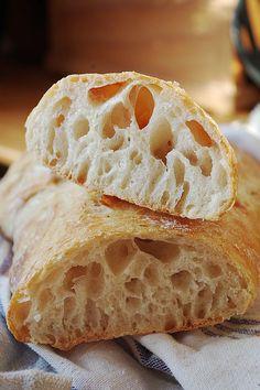 пшаговый рецепт чабатты из белой муки, на дрожжах. Ciabatta, Bakery, Good Food, Food And Drink, Recipes, Catalog, Brot, Bread Store, Recipies