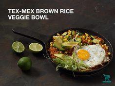 Veggie bowl Winter Warmers, Tex Mex, Brown Rice, Cobb Salad, Veggies, Ethnic Recipes, Food, Essen, Yemek