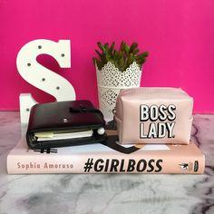 Una #GIRLBOSS è padrona della sua vita.  Prende quel che vuole perché lavora per ottenerlo.  #myoffice #working #donnaindipendente #donnaincarriera #manager #soddisfazioni #stilosagirlboss 😎 #bosslady
