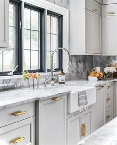 Light Gray Shaker Kitchen Cabinets with Glossy White Herringbone Tile Backsplash - Transitional - Kitchen Grey Shaker Kitchen, New Kitchen, Kitchen Decor, Kitchen White, Kitchen Ideas, Awesome Kitchen, Light Gray Cabinets, Grey Kitchen Cabinets, Kitchen Drawers